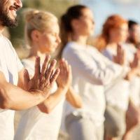 A tu disposición están las clases de Yoga y Pilates, muy recomendadas para el equilibrio del cuerpo y la mente. Elimina dolores de espalda y fortalece el abdomen.