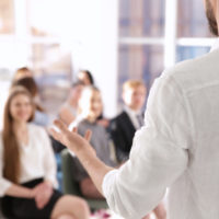 Disponemos de un espacio muy apropiado para todo tipo de cursos o talleres relacionados con el bienestar del cuerpo, mente y alma.